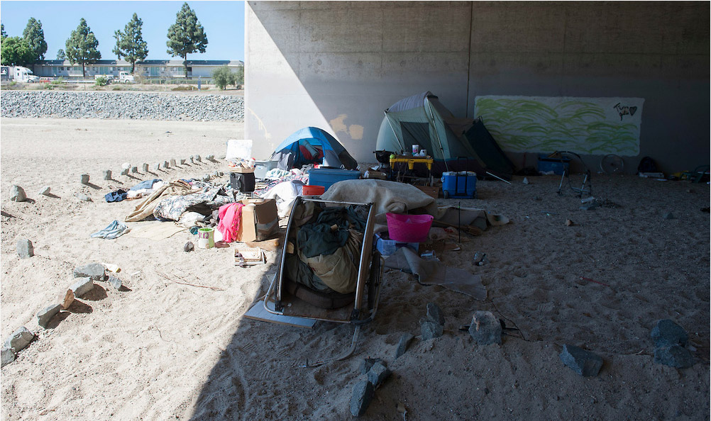 One of the homeless tent spaces under Chapman Avenue in Orange. (Photo by Miguel Vasconcellos, Contributing Photographer)
